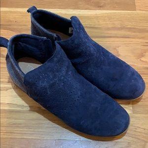Women's Toms boots
